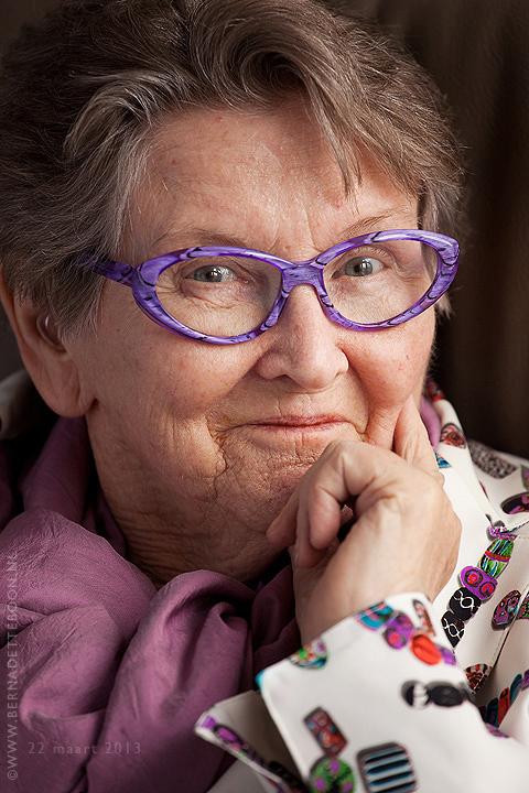 Een foto van een mooie dame van 83 door Bernadette Boon