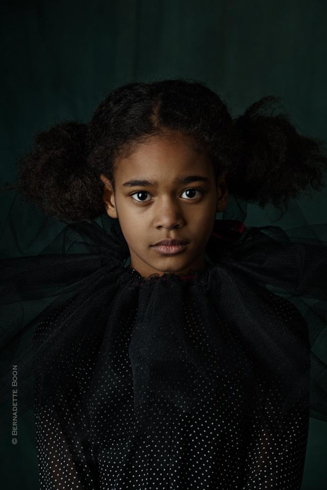 Amy | gebaseerd op licht oude meesters bij Fotostudio Best | Bernadette Boon