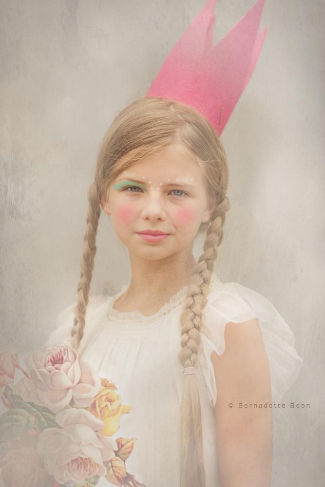 Dream portrait serie meisje met kroon